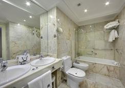 伦德雷斯茵格拉特拉酒店 - 圣塞瓦斯蒂安 - 浴室
