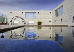 阿方索酒店 - 萨拉戈萨 - 游泳池