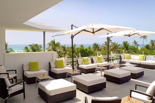 南海滩布里克沃特酒店 - 迈阿密海滩 - 阳台
