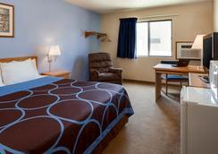 堪萨斯曼哈顿温德姆速 8 酒店 - 曼哈顿 - 睡房