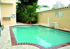 珊瑚公主酒店 - 圣胡安 - 游泳池