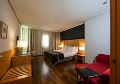 穆尔西亚七冠西方酒店 - 穆尔西亚 - 睡房