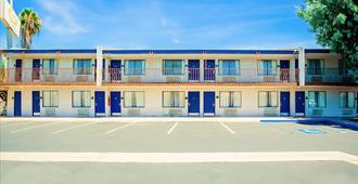 阿纳海姆布埃纳公园凯艺套房酒店 - 比埃纳帕克 - 建筑