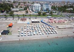 临海家庭度假酒店 - 安塔利亚 - 海滩
