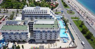 临海家庭度假酒店 - 安塔利亚 - 建筑