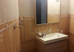 拉斯弗洛雷斯别墅酒店 - 美洲海滩 - 浴室