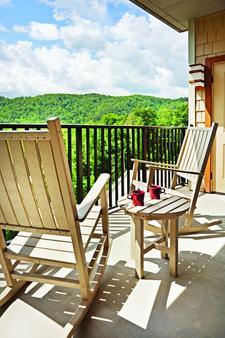 斯莫基山度假村假日酒店俱乐部 - 加特林堡 - 阳台