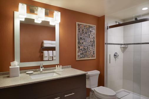 温莎优质套房酒店 - 温莎 - 浴室