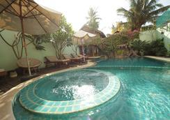 Siem Reap Riverside Hotel - 暹粒 - 游泳池