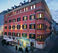 因斯布鲁克施瓦泽阿德勒酒店