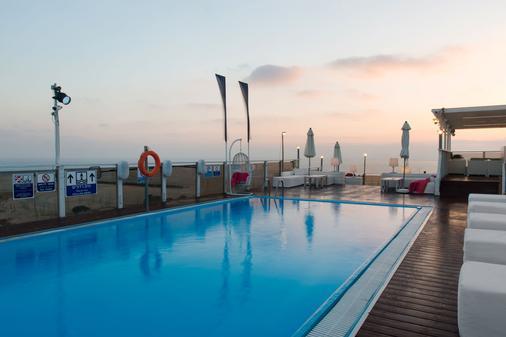 艺术特拉维夫海滩莱昂纳多酒店 - 特拉维夫 - 游泳池