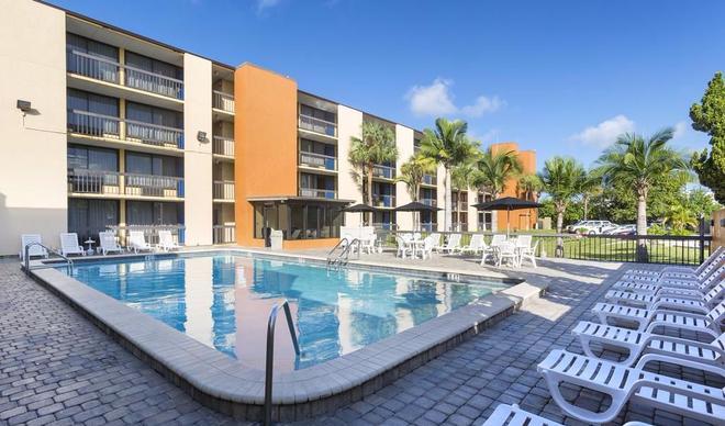 奥兰多蒙雷阿莱国际大道索诺酒店 - 奥兰多 - 游泳池