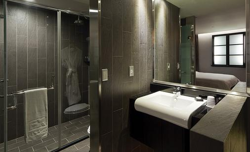 富驿时尚酒店台北南京东路店 - 台北 - 浴室