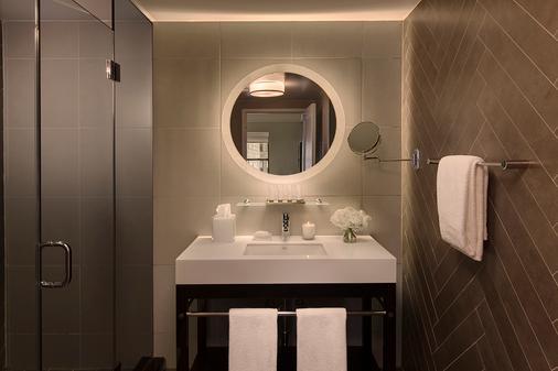 玛莎华盛顿,切尔西酒店 - 纽约 - 浴室