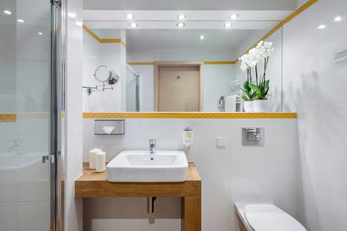 阿肯公园西佳Plus酒店 - 格但斯克 - 浴室