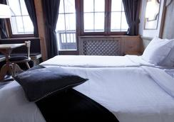 斯潘诺特酒店及餐厅 - 英格堡 - 睡房