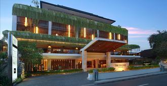 马加尼酒店及水疗 - 库塔 - 建筑
