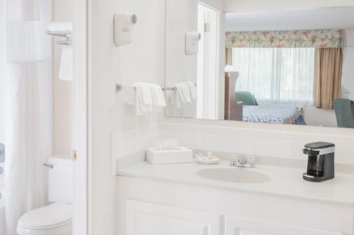 迈尔斯堡温泉度假村戴斯酒店 - 迈尔斯堡 - 浴室