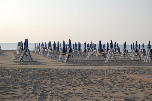 绿洲泻湖酒店&公寓 - 威尼斯 - 海滩