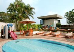 科伦坡希尔顿酒店式公寓 - 科伦坡 - 游泳池