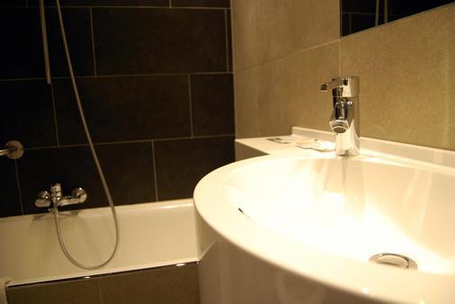 梅林达酒店 - 奥斯坦德 - 浴室