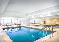 科瓦内尔雷米森高级酒店 - 奥帕提亚 - 游泳池
