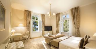 科瓦内尔雷米森高级酒店 - 奥帕提亚 - 睡房