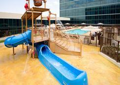 希尔顿酒店 - 安纳海姆 - 游泳池