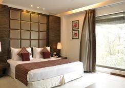Hotel Twin Tree Naraina - 新德里 - 睡房
