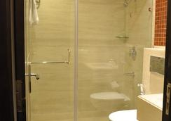 Hotel Twin Tree Naraina - 新德里 - 浴室