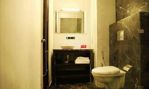 缤旅馆奥尔比恩商场露酒店 - 阿姆利则 - 浴室