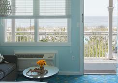 海滩小屋酒店 - 五月岬郡 - 客厅