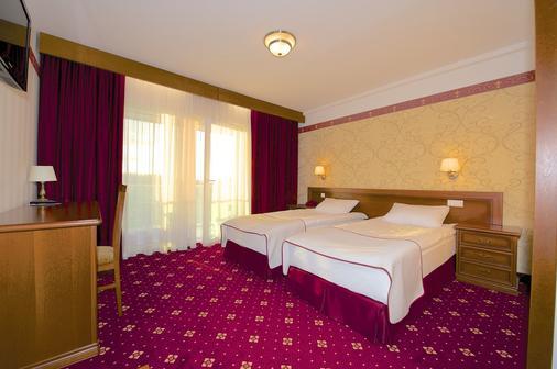 SPA琥珀宫酒店 - 帕兰加 - 睡房