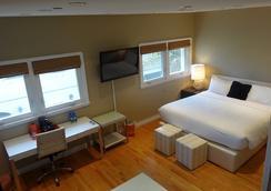 巴尔博亚旅馆 - 纽波特海滩 - 睡房