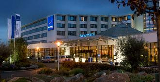 诺富特鲁瓦西戴高乐会议与疗养酒店 - 鲁瓦西昂法兰西