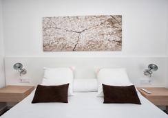 伊维萨太阳公寓酒店 - 伊维萨镇 - 睡房