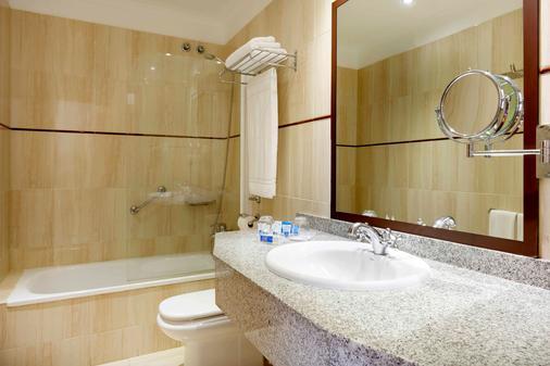 阿丽斯奥斯特拉斯酒店 - 大加那利岛拉斯帕尔马斯 - 浴室
