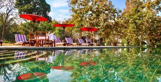 因勒别墅精品度假村 - 娘瑞 - 游泳池