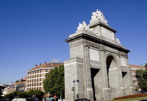 托莱多门酒店 - 马德里