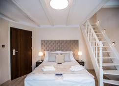 巴耳提卡别墅酒店 - 斯维诺乌伊希切 - 睡房