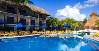 礁椰树海滩度假村 - 卡门海滩 - 游泳池