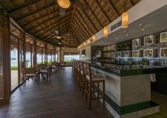 礁椰树海滩度假村 - 卡门海滩 - 酒吧