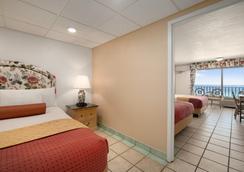 戴斯巴拿马城海滩酒店 - 巴拿马城海滩 - 睡房