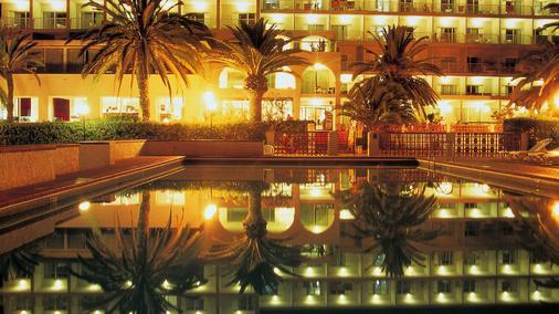 诺蒂科艾本索酒店 - 伊维萨镇 - 露台