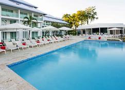 金色海灘天堂大飯店 - - 普拉塔港 - 游泳池
