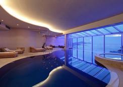 贝尔维尤杜布罗夫尼克酒店 - 杜布罗夫尼克 - 游泳池