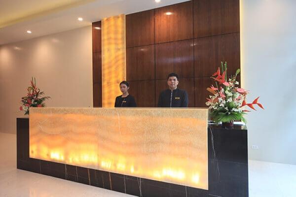 无限大厦套房酒店 - 马卡蒂 - 柜台