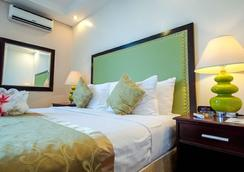 Azzurro Hotel - Angeles City - 睡房