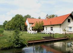 施普雷瓦尔德思帕奥旅馆 - 伯格(施普雷瓦尔德) - 建筑
