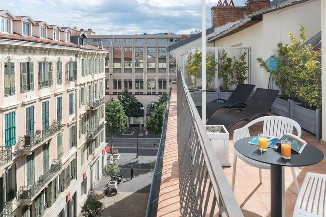 格兰德弗洛雷斯酒店 - 尼斯 - 阳台